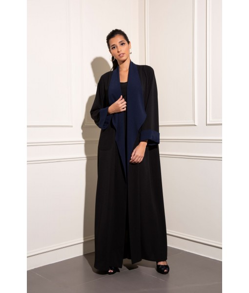 Crepe two toned oversized collar with ...