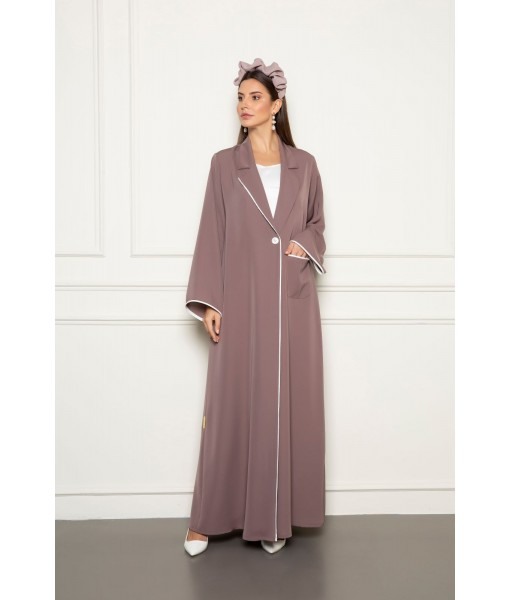 Classic abaya with piping details